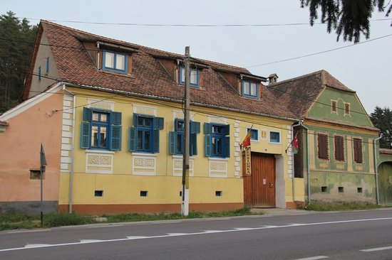 Pension Cartref: View from the road
