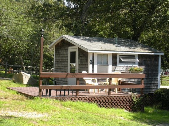 Sippewissett Campground and Cabins: Cabin at Sippewissett Cabins & Campground