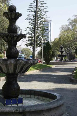 Glorieta Chapalita, a nice view to the fountains.