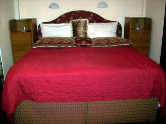 Halvat Guesthouse:                   De kamer.