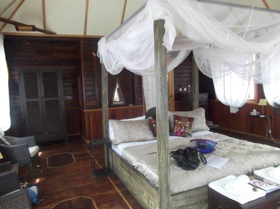 Mandina River Lodge:                   Inside the lodge