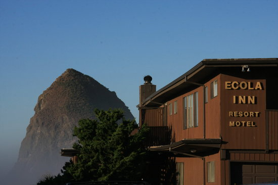 Ecola Inn: Haystack Rock on your doorstep.
