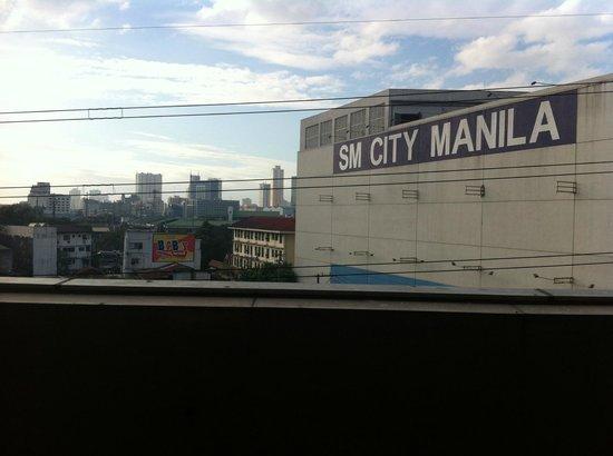 Casa Bocobo Hotel at Zen Towers:                                     Mall Manila