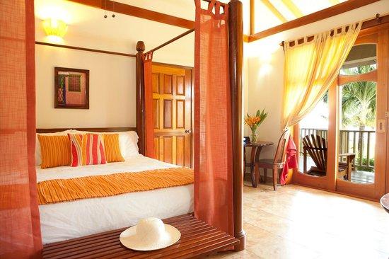Hopkins Bay Resort: Master Room in 2-Bedroom Beach House