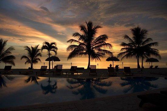 Hopkins Bay Resort: Evening Sunset