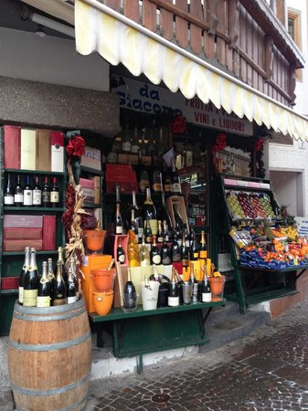 De la Poste:                   local store, loved the displays