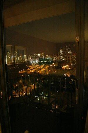 Aqua Palms Waikiki: Blick aus dem Zimmer bei Nacht