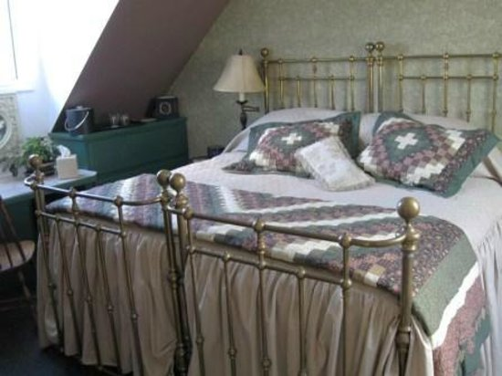 A Newfound Bed & Breakfast: Hemlock Room