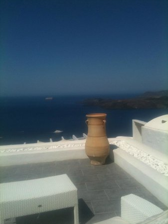 Lilium Villas Santorini: View from Pool