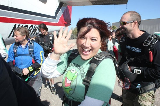 Skydive Arizona: Getting read to go up, up up!