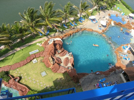 El Cid Marina Beach Hotel:                                     Look out below...