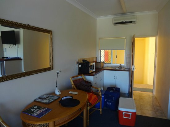 The Hideaway Cabarita Beach:                   Well equipped kitchenette
