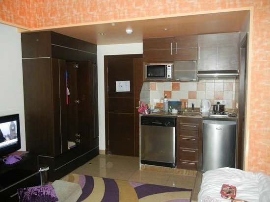 Lavender Home Furnished Apartments: room