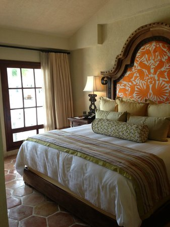 One & Only Palmilla: king bed in room