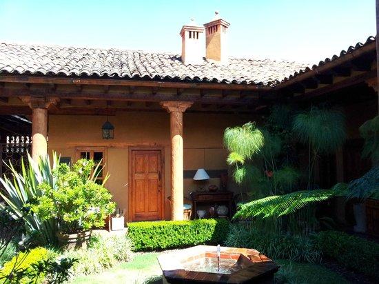Villa Victoria:                   Front Garden