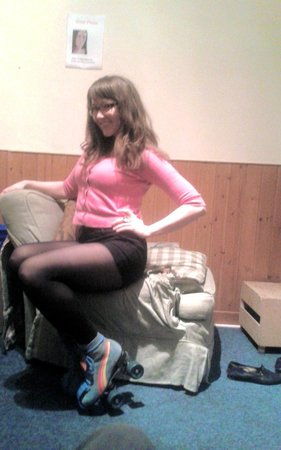 Barmy Badger Backpackers: Rollergirl lol!! (Common Room fun)