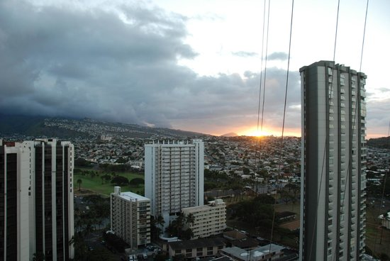 Aston Waikiki Sunset: Environnement, vue du 27e étage