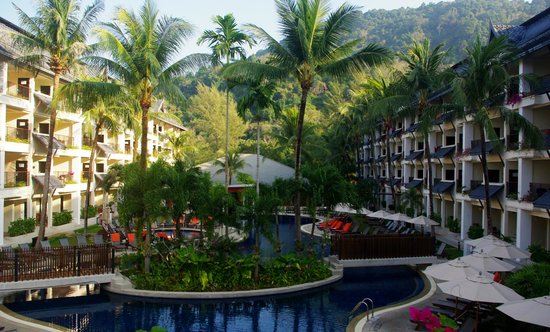 Swissotel Resort Phuket Kamala Beach: view of pool area