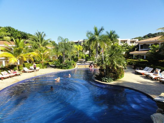 Mayan Princess Beach & Dive Resort: Nice, large pool