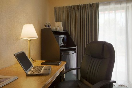 Comfort Inn: In-room Fridges and Microwaves available