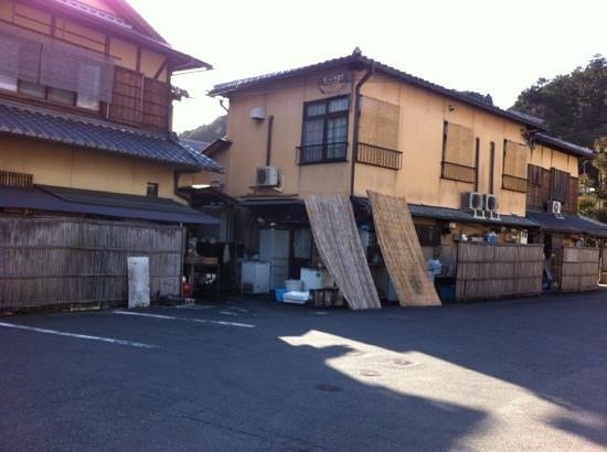 Ryokan Yamazaki:                                     gate leading to ryokan room units