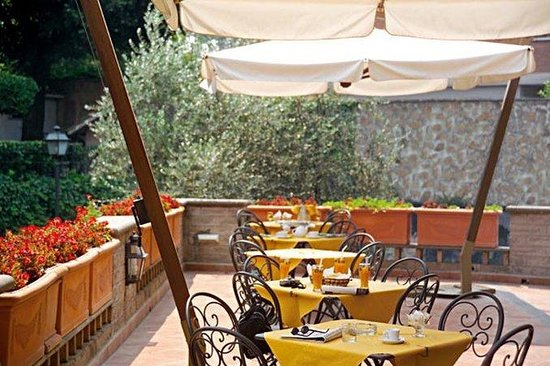 Appia Park Hotel: Terrace