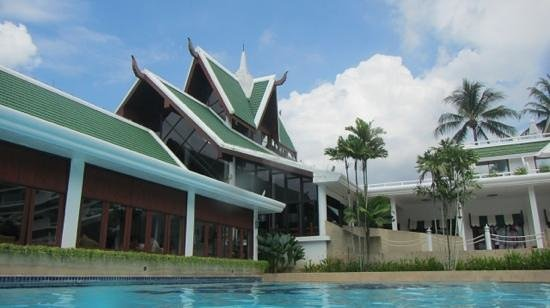 Le Meridien Phuket Beach Resort:                   Pool2