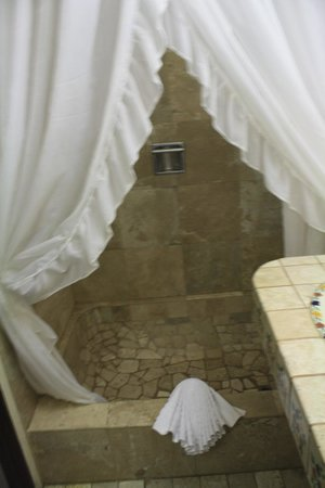 بالايا لوس أركوس هوتل بيتش ريزورت آند سبا:                   bathroom                 