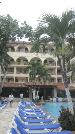 Playa Los Arcos Hotel Beach Resort & Spa :                   from the courtyard