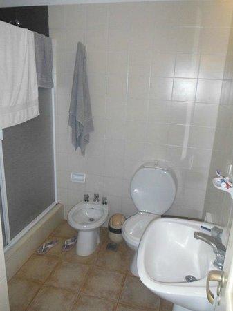 Marcopolo Suites:                   Baño muy limpio