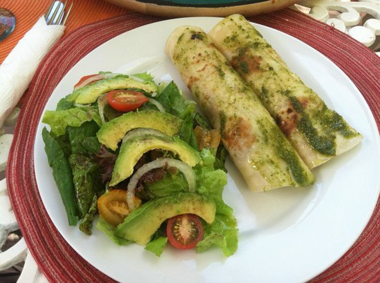 Casa Dahlia: Fish tacos (fresh caught via spearfishing!) by Julio the chef