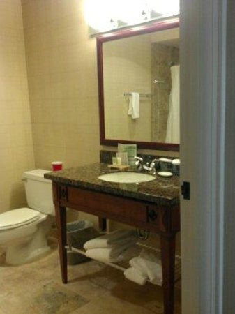 Red Lion Hotel on the River:                   Very large bathroom is easily twice the size it appears here