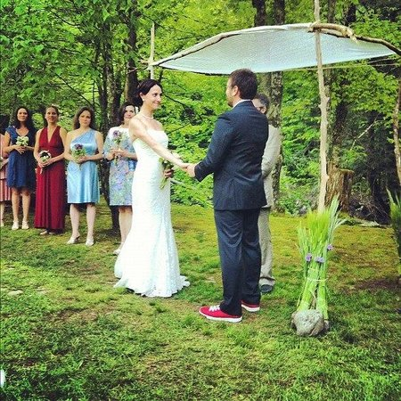 Full Moon Resort:                   ceremony location by the creek