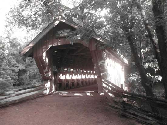 Waupaca, WI:                   the covered bridge