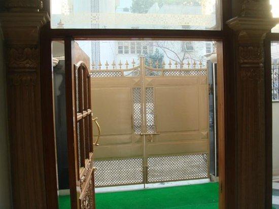 باجاج إنديان هوم ستاي:                   entrance                 