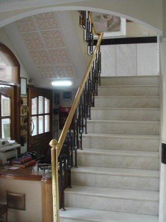 باجاج إنديان هوم ستاي:                   Common stairs                 