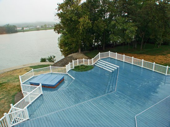 Franklin Furnace, OH:                   huge deck