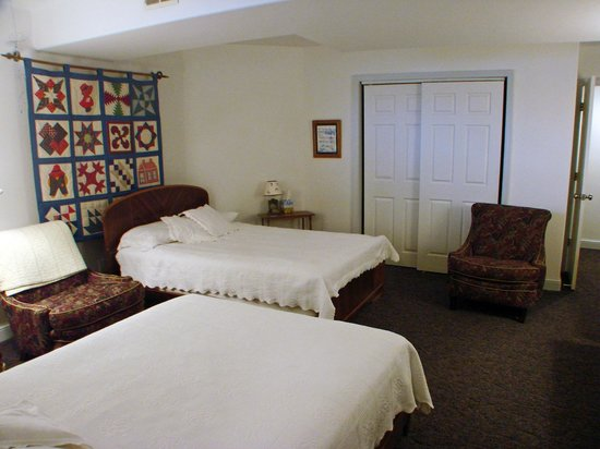RiverView B&B Inn:                   HealthView Suite