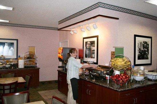 Baymont Inn & Suites - Lewisville: Restaurant