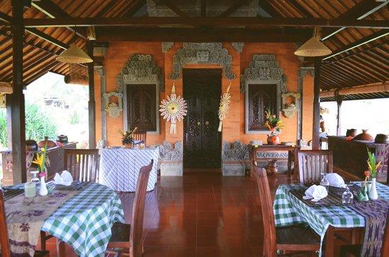 Subak Tabola Villa: Restaurant