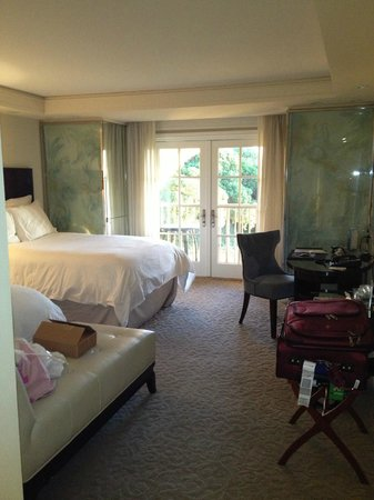 The Ritz-Carlton, Laguna Niguel: View of room from the door
