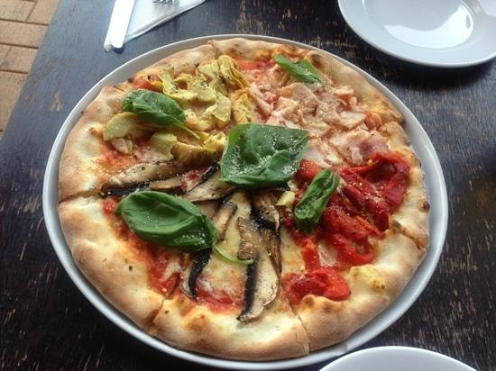 Pizzeria Napoli :                   pizza that we had..