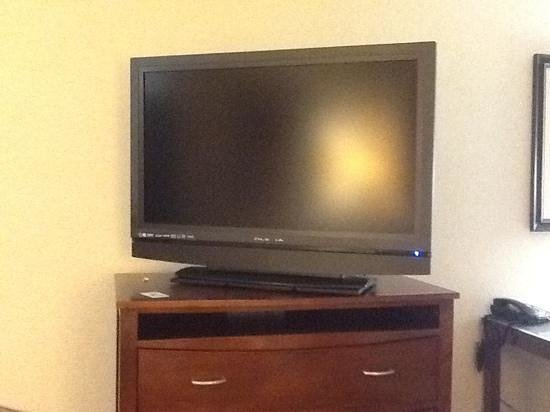 Holiday Inn Express Lufkin South: Gigantic tv