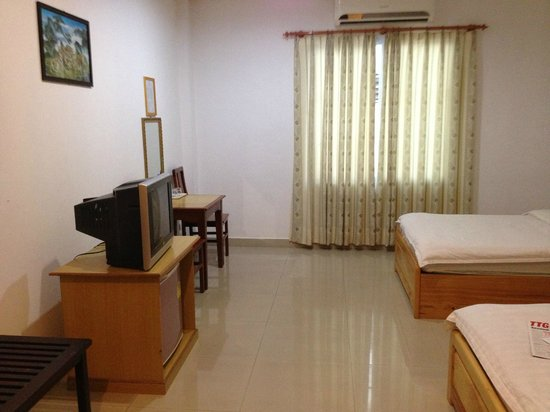 Douangpraseuth Hotel: Room