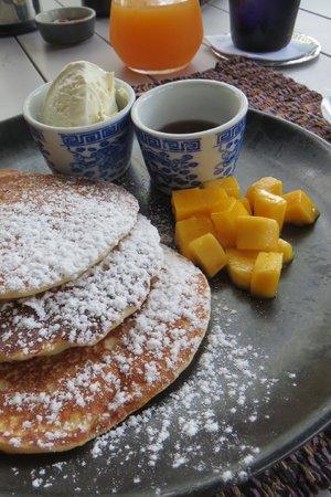 SALA Phuket Resort and Spa:                   Abundant choice for breakfast