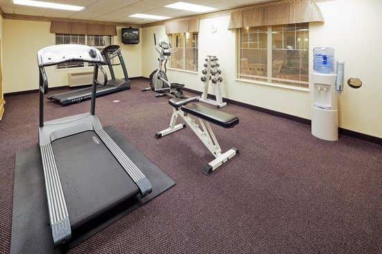 Country Inn & Suites By Carlson, Menomonie: CountryInn&Suites Menomonie FitnessRoom