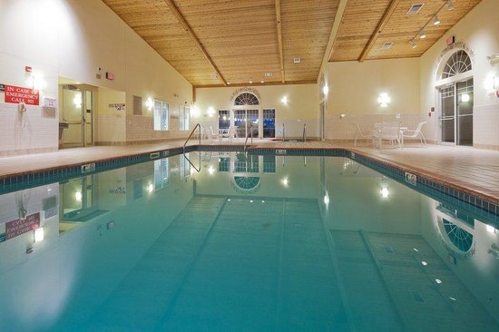 Country Inn & Suites By Carlson, Menomonie: CountryInn&Suites Menomonie Pool