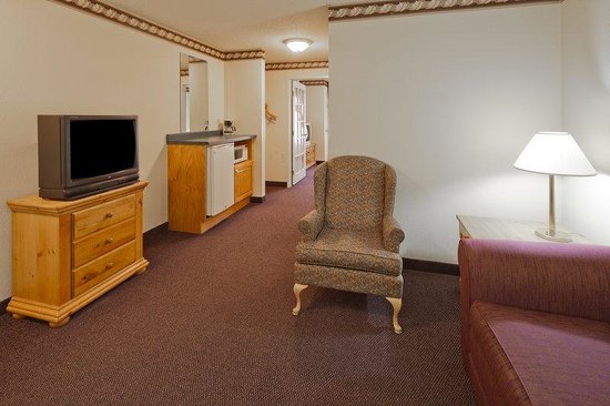 Country Inn & Suites By Carlson, Menomonie: CountryInn&Suites Menomonie Suite