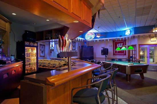 Country Inn & Suites By Carlson, Port Washington: CountryInn&Suites PortWashington  Bar/Lounge