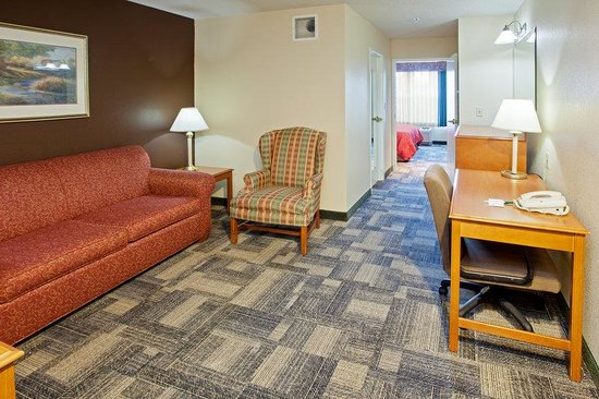 Country Inn & Suites By Carlson, Chicago O'Hare South: CountryInn&Suites OHare South Suite